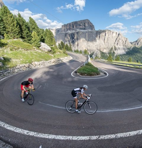 The passes of the Dolomites by bike
